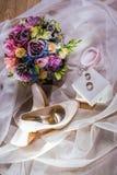 букет обувает венчание Стоковые Фотографии RF