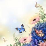 Букет от голубых гортензий и бабочки Стоковое Фото