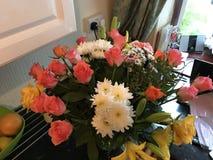 Букет поднял и белый цветка Стоковые Фотографии RF