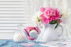 Букет розовых и белых цветков пиона Стоковые Изображения RF