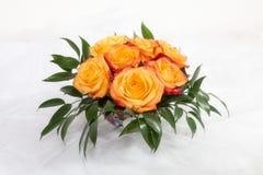 Букет розовых роз на белой предпосылке Стоковые Изображения