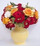 Букет роз в баке Стоковые Фото