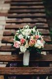 Букет свадьбы для невесты от роз и других больших цветков Стоковое Изображение RF