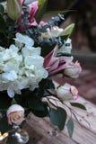 Букет свадьбы белых и розовых цветков Стоковое фото RF