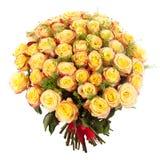 Букет свежих желтых роз изолированных на белой предпосылке Стоковые Фотографии RF