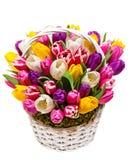 Букет тюльпанов в корзине стоковое фото rf