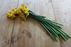 Букет увяданных daffodils стоковые изображения rf
