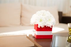 Букет хризантемы на таблице Стоковое Фото