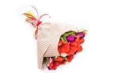 Букет цветков тюльпанов весны изолированных на белизне Стоковые Фото