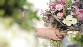 Букет цветков акции видеоматериалы