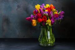 Букет ярких цветков весны Стоковые Фотографии RF