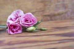 Букет risianthus на деревянной предпосылке Стоковые Изображения RF