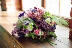 Букет Tenderless в зеленых и розовых и голубых цветах Стоковые Фотографии RF