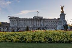 Букингемский дворец результата знания - Лондон стоковое изображение