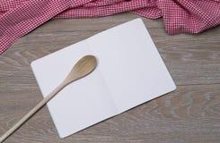 Буклет на таблице Стоковое Фото