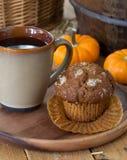 Булочка и кофе тыквы Стоковые Изображения