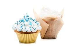 2 булочки пирожных изолированной на белой предпосылке Стоковые Изображения RF