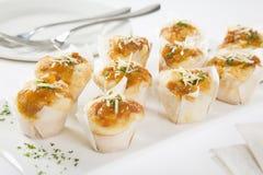 булочки сыра миниые relish томат Стоковая Фотография RF