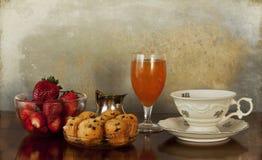 булочки фруктового сока кофе завтрака континентальные Стоковое Изображение