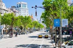 Бульвары Passeig de Gracia главные в Барселона стоковое изображение