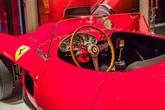 Бульвар Нью-Йорка, Madison - 1-ое ноября 2017: Классический красный Феррари на дисплее на магазине Ральф Лорен Стоковое Изображение RF