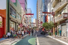 Бульвар Liberdade на районе Liberdade японском - Сан-Паулу, Бразилии Стоковые Фотографии RF