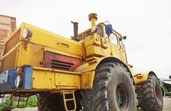бульдозер затяжелителя тяжелой конструкции на районе конструкции Стоковые Фотографии RF