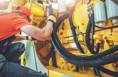 Бульдозер ремонта механика стоковые фото