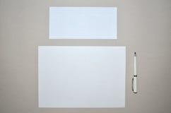 Бумага, конверт и ручка Стоковое Изображение RF