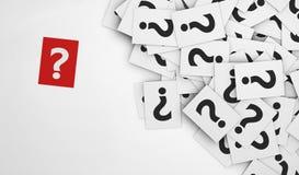 Бумага красного цвета вопросительного знака Стоковое Фото