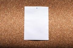 Бумага на предпосылке пробочки Брайна стоковые изображения rf