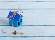 Бумага дома с ключом Стоковое Фото