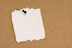 бумага приколола сорвано стоковая фотография