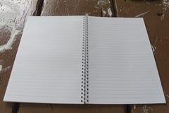 бумага раскрытая тетрадью Стоковая Фотография RF