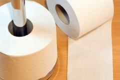 бумага свертывает туалет Стоковые Изображения