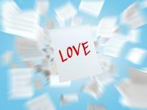 Бумага с ВЛЮБЛЕННОСТЬЮ письменного слова Стоковое Изображение RF