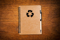 Бумага тетради с ручкой Стоковое Изображение