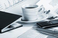 бумага утра кофейной чашки дела душистая Стоковые Изображения