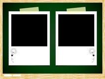 Бумага фото идеи шарика на зеленой доске Стоковая Фотография