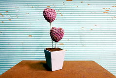 Бумага цветка на голубой предпосылке Стоковая Фотография RF