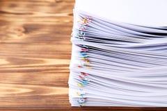 Бумаги с paperclips Стоковая Фотография