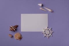 Бумажная карточка и морской пехотинец Стоковые Изображения RF