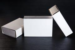 Бумажная спичка кладет шаблон в коробку Contraast картона коробок белый пустой Стоковые Изображения