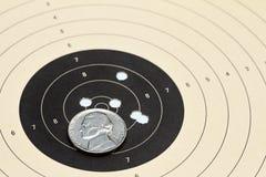 Бумажная цель с никелем Стоковое Изображение