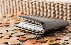 Бумажник на монетках, валюта Стоковые Фото