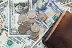 Бумажник предпосылки монеток долларовых банкнот Стоковое Изображение