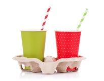 2 бумажного стаканчика с на вынос пить Стоковые Изображения