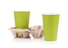 2 бумажного стаканчика с на вынос пить Стоковая Фотография RF