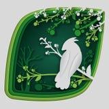 Бумажное искусство высекает к птице на ветви дерева в лесе на ноче, природе концепции origami и животных идее, искусстве вектора  Стоковые Фото