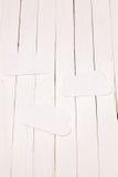 Бумажное облако на белой таблице Стоковые Изображения